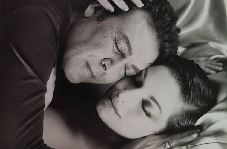 «Ραγίζει» καρδιές το αντίο της Άντζελας Γκερέκου στον Τόλη Βοσκόπουλο με το τραγούδι «Κι εσύ θα φύγεις» (εικόνες)