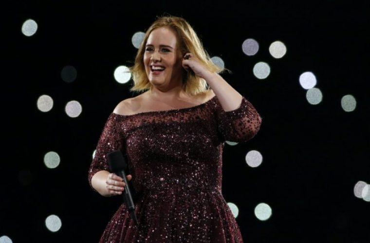Δεν αναγνωρίζεται η Adele: Έχασε 50 κιλά και είναι άλλος άνθρωπος! (εικόνα)
