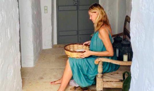 Το παραδοσιακό τραπέζι που ετοίμασε η Τζένη Μπαλατσινού στην Πάτμο- «Μύρισε» Ελλάδα