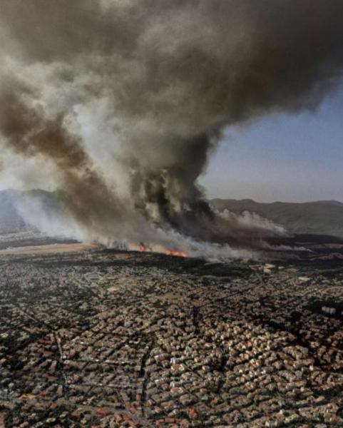 Η εικόνα της καμένης Βαρυμπόμπης από ψηλά που σοκάρει