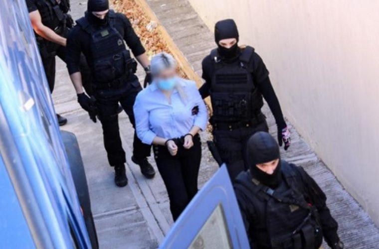 Προκαλεί η κατηγορούμενη στη δίκη για το βιτριόλι: «Εσύ Ιωάννα γνωρίζεις γιατί έχει γίνει όλο αυτό»