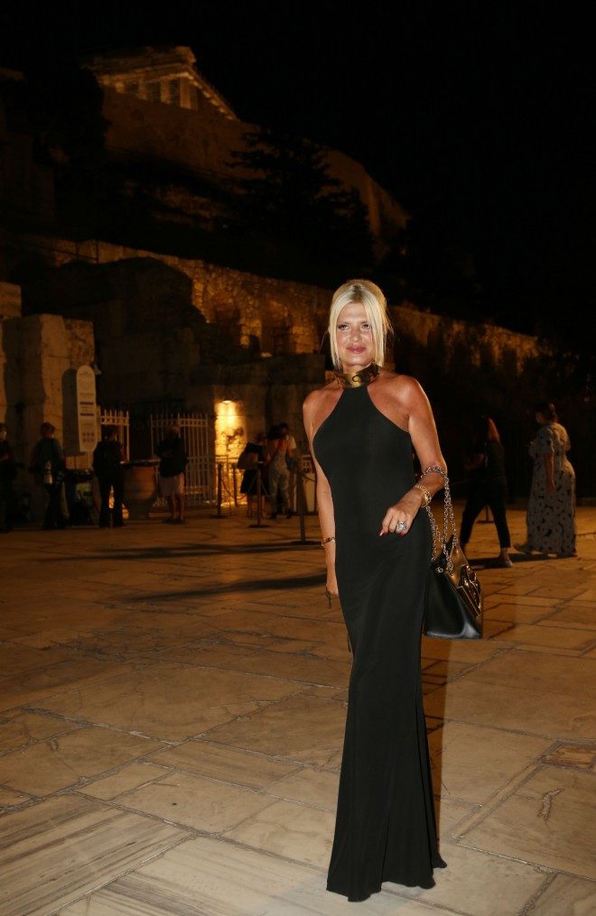 Η Μαρίνα Πατούλη με μοναδική εμφάνιση! Θα λατρέψεις το φόρεμά της (εικόνες)