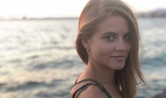 Δανάη Μιχαλάκη: Η πρεμιέρα και η σφιχτή αγκαλιά με τον ηθοποιό πατέρα της! (εικόνες)